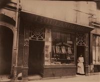 boutique boulangerie, rue des hanes manteau, 28, 4e arr[ondissement] by eugène atget